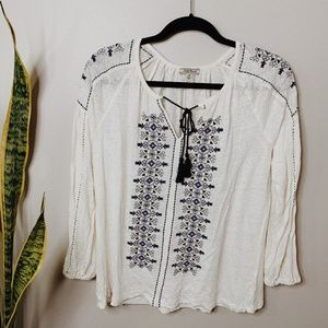 • LUCKY BRAND • Boho cream embroidered top